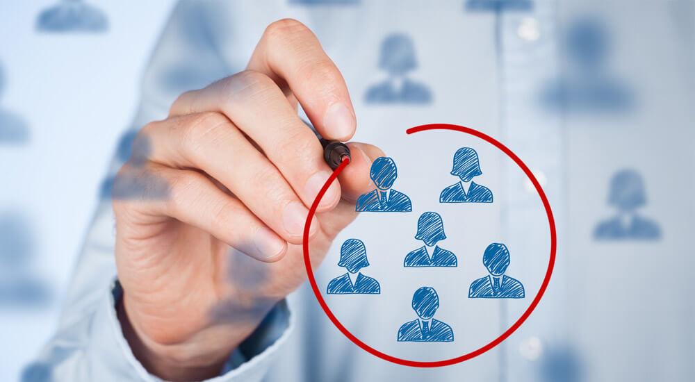 شناسایی جامعه هدف فروشگاه اینترنتی برای بازاریابی