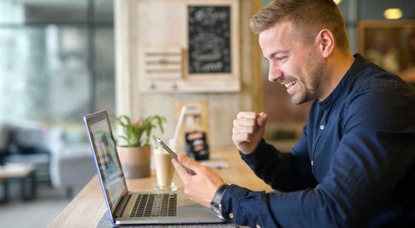 چگونه سایت خود را پربازدید کنیم؟ | ۱۵ راه کاربردی افزایش ترافیک سایت فروشگاهی
